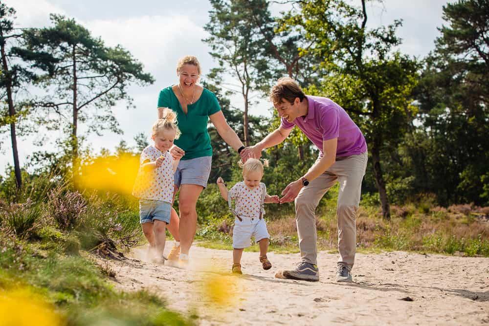 Familiereportage, ongedwongen familieportret, Lifestyle familie fotosessie, Martine van der Voort Fotografie