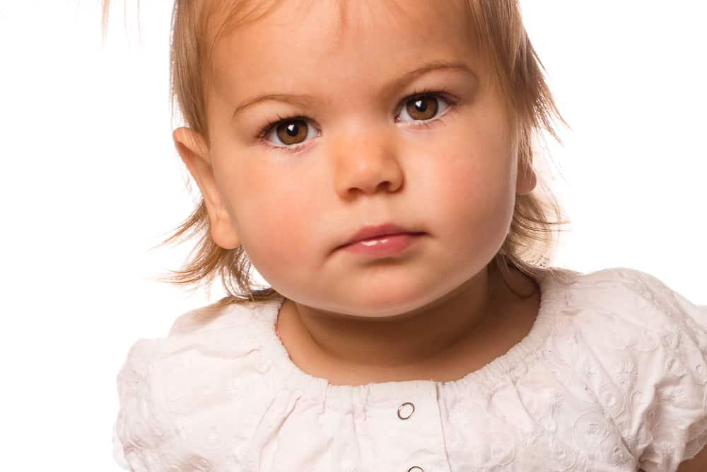 Kinderportret in de studio, studiofotografie, studio portret, kleurrijk kinderportret, Martine van der Voort Fotografie